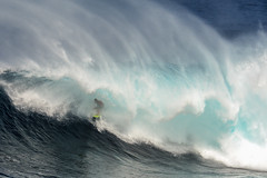 Finding some shade.  Albee Layer, Peahi, Maui. (brodrock) Tags: surfing surf jaws peahi maui hawaii