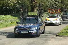 Wiggins Team Car (Steve Dawson.) Tags: cars tourofthewolds mens cycle race bikes lycra wiggins team car skoda pinarello britishcycling hill staintonlevale lincolnshire wolds england uk canoneos50d canon eos 50d ef28135mmf3556isusm ef28135mm f3556 is usm 9th april 2017