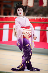 Odori (byzanceblue) Tags: 京都 祇園 祇園東 つね桃 芸妓 舞妓 奉納舞踊 元禄花見おどり 平安神宮 geisha kyoto gion dance traditional shrine kimono japan japanese woman beauty female color bokeh geiko
