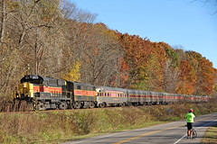 Stopping to Make a Photograph (craigsanders429) Tags: cuyahogavalleyscenicrailroad cvsr1822 cvsrtrains cvsrlocomotives cvsrmotivepower passengertrains passengercars peninsulaohio autumn autumnphotography autumncolors autumnfoliage fallfoliage fall fallfoliagephotography fallphotography