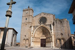 Castelló d'Empúries (Catalogne/Espagne) (PierreG_09) Tags: catalunya cataluña spain spanien espanya españa espagne emporda ville village castellódempúries clocher église cathédrale santamaria basilique