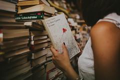 The Bookshop (Jeღ) Tags: book bookshop venice portrait girl magic vintage vsco film filmphotography