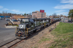 CSAO YPMO-R1 @ Morrisville, PA (Darryl Rule's Photography) Tags: 2017 aestaley april cpdq csao conrail conrailsharedassets dq dairyqueen delmorrave local morrisville necorridor ns norfolksouthern northeastcorridor pa pennsy pennsylvania pennsylvaniarailroad septa staley staleylocal streetrunning sun ypmor1