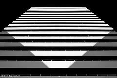 Simetría (Torre Europa B/N) - Symmetry (Europa Tower B/W) (Eva Ceprián) Tags: arquitectura architecture edificio building simetría symmetry geometría geometry blancoynegro blackandwhite contraste contrast horizontal perspectiva perspective pentágono pentagon líneas lines abstracto abstract barcelona edificioresidencial residentialbuilding diagonal nikond3100 tamron18270mmf3563diiivcpzd evaceprián