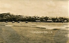 Coffs Harbour Jetty, N.S.W. - very early 1900s (Aussie~mobs) Tags: newsouthwales australia vintage jetty coffsharbour beach township ocean coast beachhuts