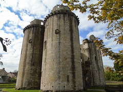 Nunney Castle (Oxford Murray) Tags: castle englishheritage spring somerset fortification heritage history medieval