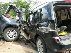 Mulher morre em acidente entre carro e caminhonete na BR-459, em Caldas, MG (portalminas) Tags: mulher morre em acidente entre carro e caminhonete na br459 caldas mg