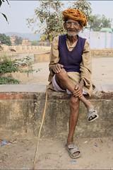 Bundi (t3mujin) Tags: street people india man male asia village rajasthan bundi