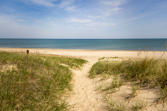 Quiet morning (Lynne Dohner) Tags: lake chicago beach spring sand may indiana lakemichigan indianadunesnationallakeshore singingsand visitindiana
