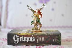 Grimm's Complete Fairy Tales (Camile Carvalho) Tags: book blog review books bookshelf vida livro livros carvalho camile minimalista resenha blogueira camilando