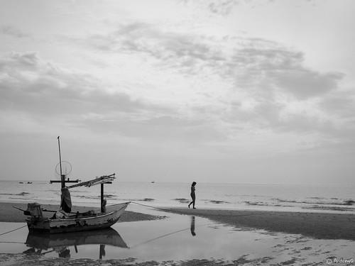 Hua Hin beach, Thailand (030714-OMD-91BW)