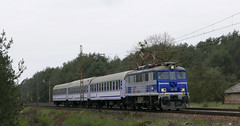 From Wroclaw to Lublin (roomman) Tags: 2017 poland deblin radom wroclaw lublin express intercity tlk train transport transportation trains rail railway railways rails line fast slow cross corssing bąkowiec kakowiec pkp station stajja kolej eu07 07 eu eu07305 305 140 105 140105 nature landscape country countryside forest wood woods tree trees