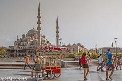 İSTANBUL (01dgn) Tags: istanbul eminönü türkiye turkey türkei colors red travel holiday hank you