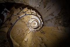 nach oben (GU-JO) Tags: hotelfürstenhof leuchte thüringen treppe wendeltreppe