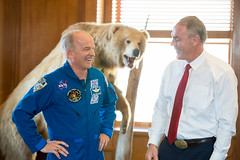 Astronaut Jeff Williams at U.S. Department of the Interior (NHQ201703230016) (NASA HQ PHOTO) Tags: jeffwilliams ussecretaryoftheinterior usdepartmentoftheinterior expedition48 washington dc usa ryanzinke nasa aubreygemignani