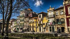 Près du kiosque (Fred&rique) Tags: lumixfz1000 photoshop raw hdr portugal porto façades couleurs parc ciel nuage arbres architectures café restaurant