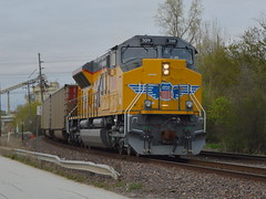 Bringing up the rear (Robby Gragg) Tags: up sd70acet4 3019 des plaines