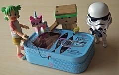 « Happy Easter : Fishing under high surveillance !! » (Damien Saint-é) Tags: danbo yotsuba japan manga toy jouet vinyl kotobukiya revoltech starwars nendoroid stormtrooper weiss happyeaster legounikitty