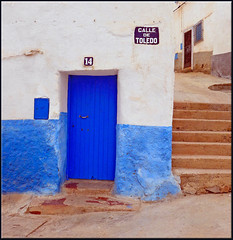 this is not Spain! (mhobl) Tags: door blue sidiifni maroc morocco treppe stairs brown sign streetsign strasenschild toledo