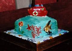 boat cake with fish (Yersinia) Tags: littlemermaid mermaid cake yersinia pirates boat submarine yellowsubmarine fish seaweed ariel