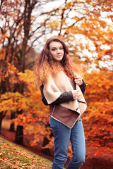Nicole Abbott (Stacey.Portelly) Tags: park autumn winter red test orange brown sun sunlight fall leaves photoshop canon hair fur dawn nicole model seasons stacey glasgow curls naturallight ombre jeans agency denim brunette abbott kelvingrove weston lightroom kelvingrovepark portelly nicoleabbott staceyportelly dawnweston