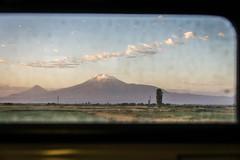 DSC09230.jpg (Vclav Zahrdka) Tags: travel mountains train landscape atmosphere armenia technique folio atmosfera 2012 armavir vlak hory krajina technika cestovn araks
