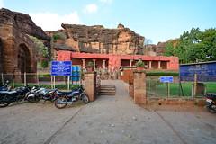India - Karnataka - Badami Caves - 010 (asienman) Tags: india architecture caves karnataka badami chalukyas vatapi asienmanphotography