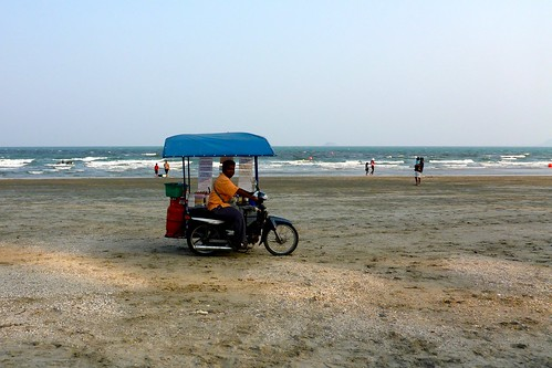 Rottee Seller on Hua Hin Beach