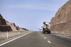 Transportando progreso - 9975 (Marcos GP) Tags: road peru truck highway carretera lima route camion pan pista marcosgp