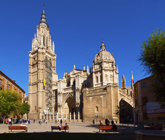 Toledo Cathedral (kevinpoh) Tags: world building heritage church architecture facade site spain cathedral olympus unesco toledo zuiko e620 918mm