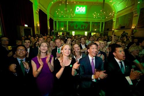 Kandidaten voor het Europees Parlement bij de D66 uitslagenavond Europese verkiezingen 2014 in Nijmegen