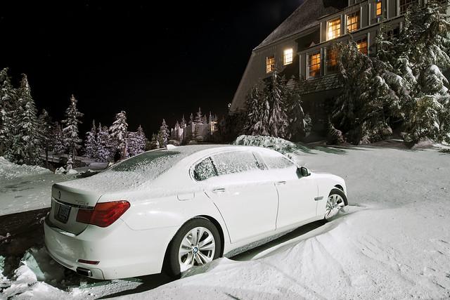 longexposure winter white snow cold car night oregon sedan dark hotel li nikon automobile long exposure german bmw 740 ? ?? timberlinelodge ?? ?? ??? ?? ?? ?? ?? ??? ?? ??? d800e ??????