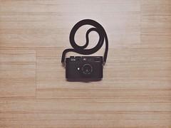 Bliss (ivan the fox) Tags: camera leica apple 35mm rangefinder summicron m8 f2 asph iphone artisanartist akiasahi