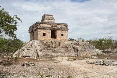 Dzibilchaltun, Temple of the Seven Dolls