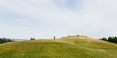 One Of Us Can't Be Wrong (John Westrock) Tags: seattle park people canon hill pacificnorthwest washingtonstate pnw gasworkspark 168 16x8 canoneos5dmarkiii sigma35mmf14dghsmart