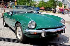 Voiture ancienne (photolenvol) Tags: place montreal festivals voiture des pour juste rire ancienne jpr