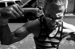La habana, Cuba, 02-2017 (No.Made) Tags: noiretblanc blackandwhite monochrome photoderue street streetphotography cuba lahavane lahabana portrait portraitderue boxeur vs