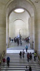 Louvre Museum (tim_asato) Tags: timasato paris mouseum museo louvre stair escaleras staricases scaleras people gente france francia