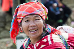 Woman Hmong (Under the Bridge 80) Tags: nikon d90 24120 sapa vietnam hmong woman tribù tribe etnic etnico etnia strong portrait portraits ritratto ritratti trip