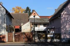 Dorf, Wetterau 2016 (Spiegelneuronen) Tags: wetterau dorf dörfer architektur häuser ortsbild
