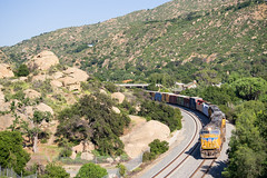 UP LOF65 @ Simi Valley, CA (Mathieu Tremblay) Tags: simivalley california unitedstates santasusana up union pacific scax metrolink ventura subdivision railroad railway chemin fer train locomotive lof65 local 4611 sd70m emd sony a99 sal70300g