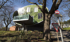 Maggie's Place (simonannable) Tags: maggiesplace nottingham cityhospital modern future cancer support architecture unique example futuristic roadsigns spring springtime sunny season habitat building nottinghamshire uk england green structure notts cancersufferer help service