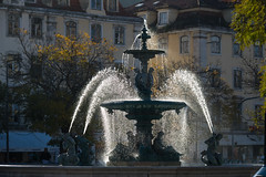 Fountain (Infomastern) Tags: lisboa lisbon lissabon portugal pracarossio rossiosquare backlit fontän fountain vatten water exif:model=canoneos760d geocountry camera:make=canon exif:isospeed=100 camera:model=canoneos760d geostate geocity exif:focallength=100mm exif:aperture=ƒ80 geolocation exif:lens=efs18200mmf3556is exif:make=canon