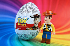 Woody unboxing his own Easter surprise egg (Lesgo LEGO Foto!) Tags: lego minifig minifigs minifigure minifigures collectible collectable legophotography omg toy toys legography fun love cute coolminifig collectibleminifigures collectableminifigure toystory story woody easter eastereggs easteregg eggs kindereggs kinder