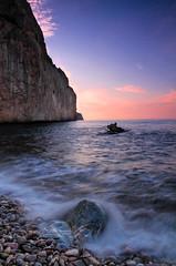 Amamecer en el Mascarat. (Ál Men-chez) Tags: españa calpe altea amanecer rocas colorido paisaje playa piedras seda