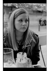 P44-2017-033 (lianefinch) Tags: argentic argentique monochrome blackandwhite blackwhite noirblanc noiretblanc bw portrait people brussels bruxelles belgium belgique belgïe bar bistro troquet