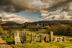 Final Resting Place (Brian Travelling) Tags: graveyard cemetery scenic scenery scotland dalmally argyll argyllshire glenorchy sky skyscape clouds nature natural naturalworld trees green