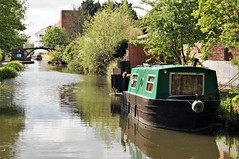 Green boat (dlanor smada) Tags: aylesbury bucks chilterns grandunion canals narrowboats