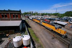 Snoots, Booze & Blues (Jeff Carlson_82) Tags: up uprr unionpacific 1897 sd402 sd40n rebuilt rebuild 1637 kc mo kansascity missouri jrieger distillery knuckleheads saloon eastbottoms yks87 snoot whiskey blues livemusic train railfan railroad railway