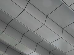 Stairway (Ed Sax) Tags: treppe übergang weis linie kubisch verkleidung fassade architektur art berlin edsax carolinemichaelisstrase brücke deutschebahn